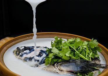 秀水砂锅鱼头